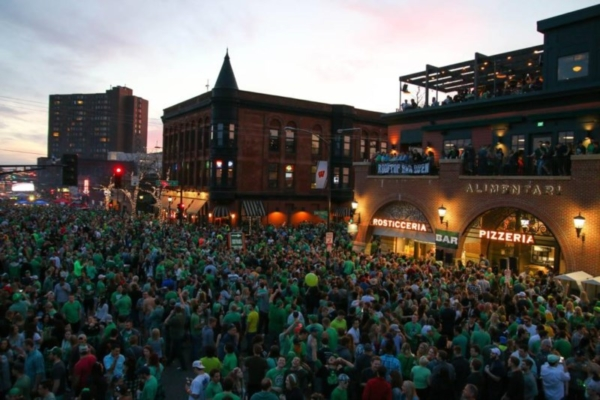 Irish Festival crowd in St Paul.