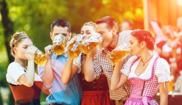 Group drinking beer at Oktoberfest.