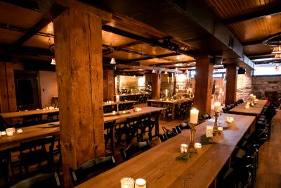 Hall of Kings bar.